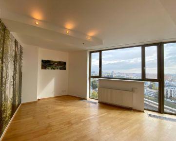 PREDAJ ! 4 izbový apartmán s výnimočným výhľadom, VIENNA GATE