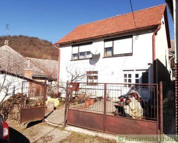 Rodinný dom s chalupárskym nádychom v rázovitej obci - Hrušov