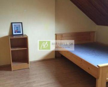 2,5 izbový byt podkrovný byt v centre mesta, Dobrovského ulica, 54 m2