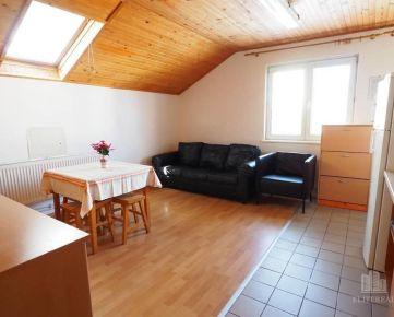 SPOLOČENSKÁ- útulný zariadený byt v rodinnom dome - Trnávka