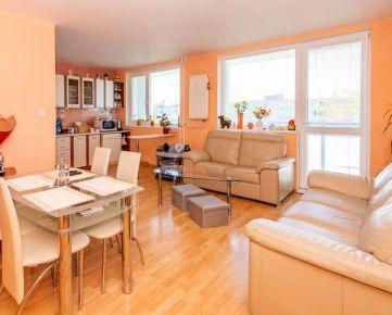 REZERVOVANÝ: Na predaj 3 izbový byt, Krakovská, Železníky,