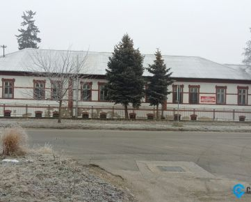 Budova bývalého zdravotného strediska na prenájom, Šurany