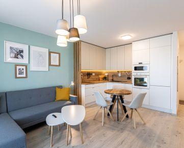 Ponúkame EXKLUZÍVNE na prenájom 2-izbový byt so šatníkom v novostavbe Urban Residence.