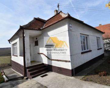 Predám 3 izbový rodinný dom v obci Dulovce