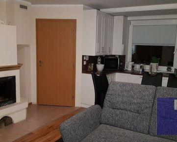 --PBS-- ++EXKLUZÍVNE U NÁS++ Na PREDAJ dom s 3 x samostatnou bytovou jednotkou, BAZÉN, Trnava - Vajslova dolina++