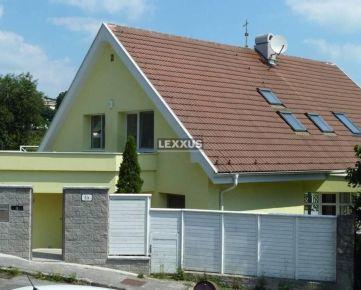 LEXXUS - PRENÁJOM, 3-podlažná vila pri Slavíne, vonkajší bazén, BA I