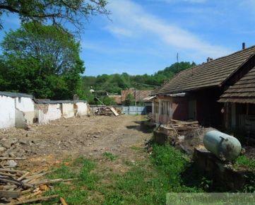 Pozemok s troma stavbami-Bohunice
