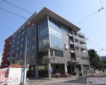 Prenajom krasny slnecny 4 izbovy byt na 3. poschodí zo siestich, na Dunajskej ulici