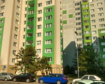 EXKLUZÍVNE Trojizbový byt v Petržalke na predaj
