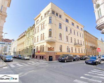 Prenájom nového, atypického, podkrovného 2-izb. bytu v Historickej budove, 46m2, nezariadený, Sládkovičova ulica - Staré Mesto, Bratislava.