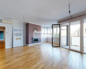 AGENT.SK | Priestranný 5-izbový byt v centre Trenčína | Video + 3D prehliadka