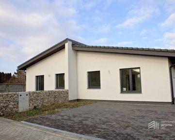 4i dom, novostavba 2019, v tichej časti obce Tomášov - 20 km od BA