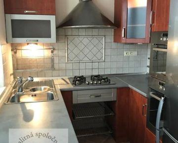 Ponúkame na prenájom 3izbový byt v Trenčíne na ul.Gen.Viesta o rozlohe 72m2.