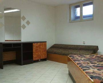 Prenájom: Robotnícka izba v centre mesta( max.3 osoby)
