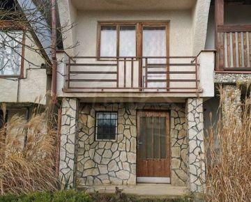 Murovaná chata s vínnou pivnicou na juhu Slovenska - Záhorce