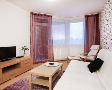 Krásny 2i byt s parkovaním a lodžiou v Bratislave na prenájom