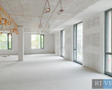 od 100 m2 – administratívne celky vo vysokom štandarde