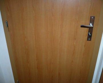 Trnava: Priestranný 1-izbový byt.