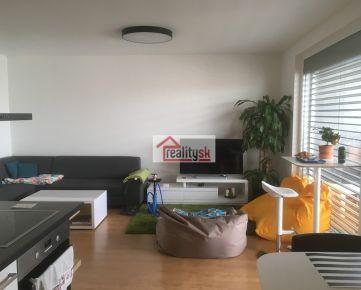 svetlý a priestranný 3-izb.byt v novostavbe SKYBOX (83m2 + 17m2 lodžia) - úplne súkromie na predposlednom poschodí