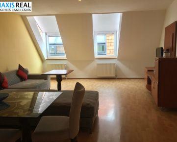NA PRENÁJOM EXKLUZÍVNE 4-izbový byt s balkónom v centre mesta!