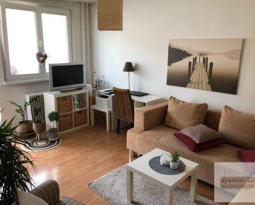Apartim s.r.o predá pekný, útulný, zrekonštruovaný 3 izbový byt s balkónom na Estónskej ulici v Podunajských Biskupiciach