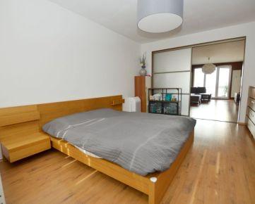 Veľkorysý 2 izbový byt po kompletnej rekonštrukcii s balkónom, nízke náklady, Trnavská cesta