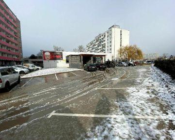 MIDPOINTREAL: Ponúkame na predaj objekt s podnikateľským potenciálom v Bratislava III. Vajnory.