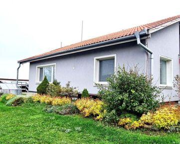 PREDAJ - Pekný rodinný dom rozlohou veľkorysý v super lokalite - Oponice