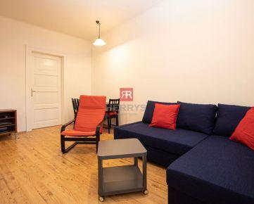 HERRYS - Na prenájom zariadený 2 izbový byt v Starom meste s vysokými stropmi