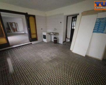 4 Izbový rodinný dom s klembovou pivnicou, vhodný aj na podnikateľské účely. CENA: 45 000,00 EUR