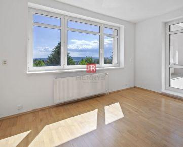 HERRYS - Na predaj - 2 izbový veľkometrážny byt s terasou pri Horskom Parku s garážovým státím