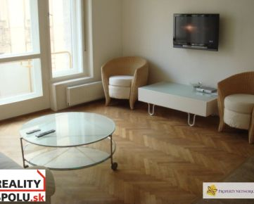 NA PRENÁJOM 3 izb. byt v historickom centre Bratislavy