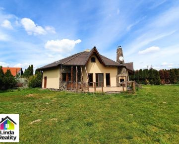 Priestranný 4-izbový rodinný dom s veľkým slnečným pozemkom