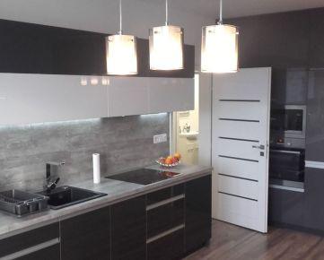 Predaj exkluzívneho 1,5 izb. moderného bytu po KOMPLETNEJ REKONŠTRUKCII vo Vrakuni na Rajeckej ul.