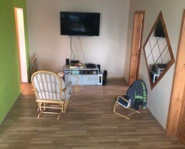 3-izb. byt na ul. Jána Jonáša, Devínska Nová Ves, so zariadením