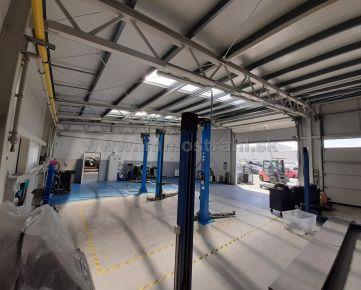 Prevádzkový areál 5064 m2 (autoservis 646 m2 + recyklácia automobilov) na predaj v Pezinku