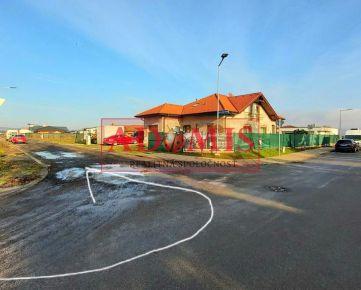 RESERVE, ADOMIS - Predám stavebný pozemok na výstavbu RD v Košiciach, aj na dvojdom, 888m2, nová časť Záhumnie, Košice - Krásna