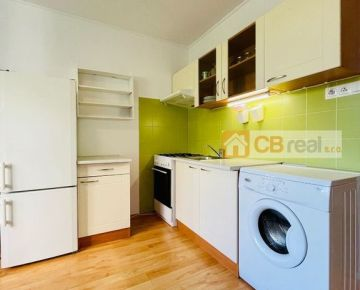 Predaj priestranného 1 izb. bytu upraveného na 2G s výhľadom do udržiavaného vnútrobloku, Rumančeková ul.