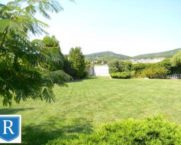 IMPREAL »»»  Rača »»  600 m2 veľký dom s vnútorným bazénom, 1.700 m2 veľký pozemok » ideálna pozícia a orientácia » cena 869.000,- EUR ( English text inside )