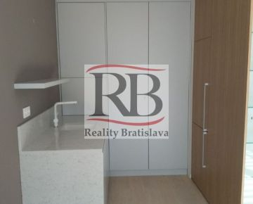 Luxusný apartmán v novostavbe na predaj