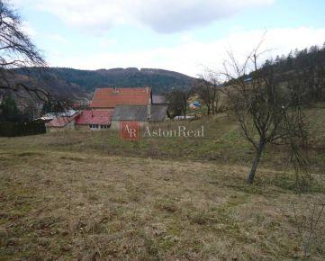 Slnečný stavebný pozemok v Dolnej Breznici (793m2)