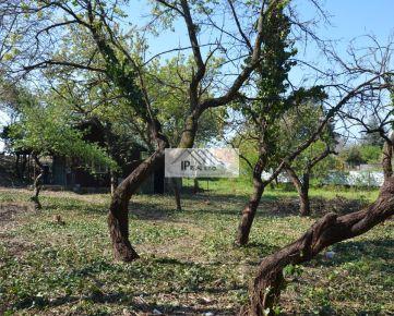 Rezervované - predaj pozemku na výstavbu rodinného domu v lokalite Domové role/Nové Záhrady