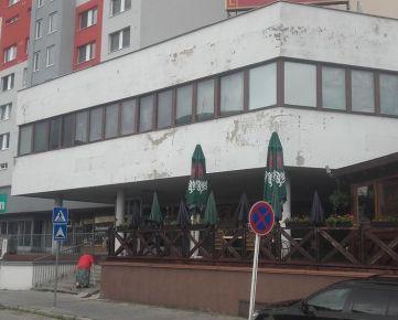 Obchodno - prevádzková budova 572 m2 v Petržalke na Námestí hraničiarov