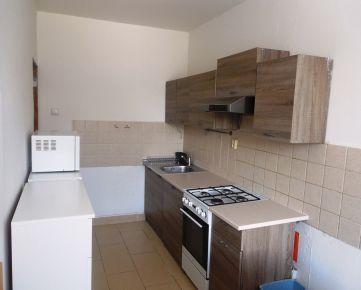 Výborná cena 3 izb. bytu na Topoľčianskej ul. v Petržalke