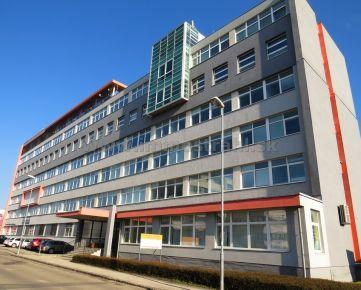 Budova (1 PP+7 NP) s prístavbou  na predaj na Magnetovej ulici.