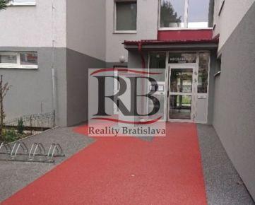 Na predaj 2 izbový byt na Hrobákovej ulici v Petržalke