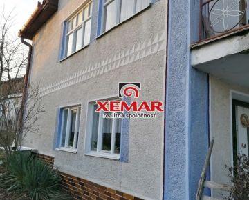 Exkluzívne na predaj veľký rodinný dom v obci Príbelce