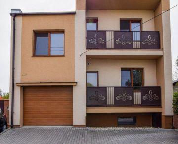 Na prodaj pjekný dúm na Záhorí !!! Samostatne stojaci 6-izbový rodinný dom v obci Láb.