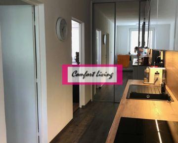 COMFORT LIVING ponúka - Kompletne zrekonštruovaný 3 izbový byt na Vážskej ulici - nové rozvody, nepriechodné izby, výhľad na zeleň, klimatizácia, parkovacie sttátie