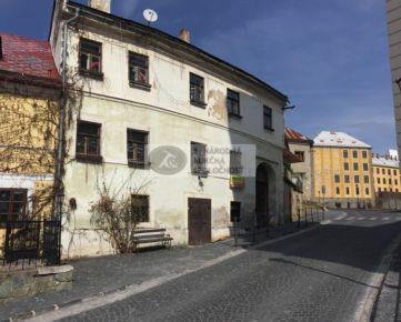 NA PREDAJ - Historický meštiansky dom v centre  Banskej Štiavnice, Akademická ulica
